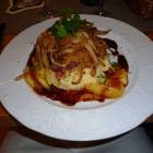 Foto zu Hunsrücker Fass: gebratene Kalbsleber mit Apfelspalten, Röstzwiebeln und Kartoffelpüree