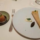 Foto zu Burg Staufeneck · Gourmetrestaurant: Stör Tarte, Kaviar Selektion RS, Creme Fraiche, gepickeltes Gemüse k