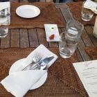 Foto zu Eibsee-Hotel · Restaurant: Taverne: Tisch