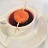 Kalte Suppe von Reichenau-Tomaten mit gebackener Frischkäsepraline