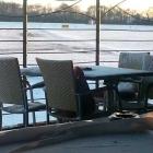 Foto zu Schuhbeck's Check Inn: Sitzkissen im Schnee