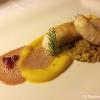 Seeteufel mit Safran-Blumenkohlcreme, Couscous und Granatapfel-Beurre blanc