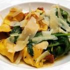 Foto zu Die Graifen · Weine - Leben - Essen: Hausgemachte Tortellini mit Pfifferlingen und Spinat