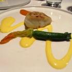 Gang 4: Kabeljau und Zucchini auf Curry-Sabayon