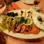 Foto zu Restaurant Bei Iljan im Hotel Deutsches Haus: Ein Vorspeisenteller