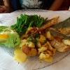 Seehechtfilet mit Bratkartoffeln und grünen Bohnen mit Speck