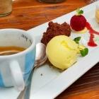 Foto zu Topaz: Café ohne Crema mit Gourmandises