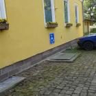 Foto zu Restaurant im Schlosshotel Wilhelmsthal: Behindertenparkplatz