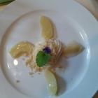 Foto zu Deutsche Eiche: Apfelspalten mit Pappelknospenaroma auf Vanillecreme