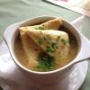 franz. Zwiebelsuppe mit Käse gratiniert