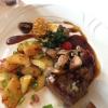 Rumpsteak vom deutschen Färsenrind rosa gegart, mit gebratenen Champignons, Kräuterbutter, Bratkartoffeln (Teil1)