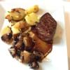 Rumpsteak vom deutschen Färsenrind rosa gegart, mit gebratenen Champignons, Kräuterbutter, Bratkartoffeln (Teil 2)