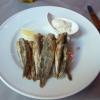 Tapas: frittierte Sardellen mit Alioli