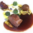 Foto zu Gut Lärchenhof · Gourmetrestaurant: Gang 5 mit Sauce