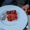 Weißes Schokoladenmousse mit Erdbeeren