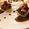 Rinder-Short-Rib gegrillt und lackiert mit Süßholz auf getoasteter Brioche mit Foie Gras, BBQ Sauce