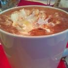 Foto zu Altes Landhaus: heiße Schokolade