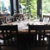 Tisch mit Blick zum Garten