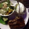 Steak 220 g mit Folienkartoffel, Kräuterbutter und Salat