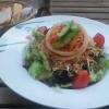 Salat mit Schinken und Käse