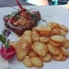 Schweinenackensteak, Schafskäse, Knoblauchkartoffeln & ...