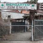 Foto zu Zum Engel: Eingang zum Biergarten