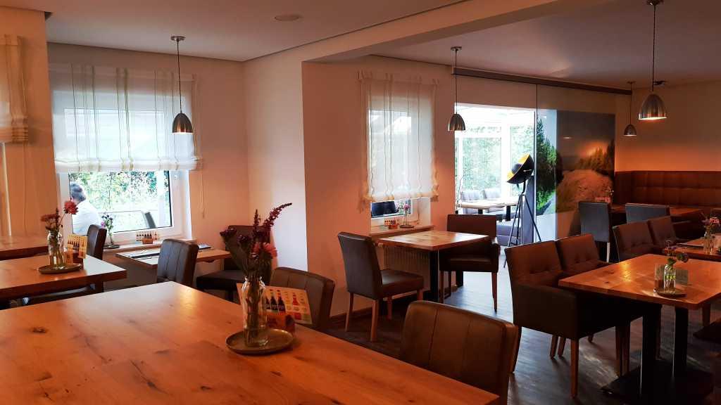 Landhaus Am Kirschbaum Restaurant Hotel In 54497 Morbach