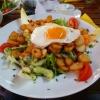 """Salat """"Rustikal"""" mit Bratkartoffeln und Spiegelei"""