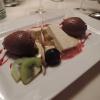 Mousse von der Valrhona-Schokolade mit Tonkabohnenparfait