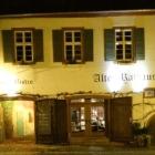 Foto zu Restaurant & Weinbistro Altes Rathaus Oestrich: Unser Restaurant liegt direkt am Marktplatz Oestrich im historischen Alten Rathaus.