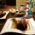 Foto zu Restaurant & Weinbistro Altes Rathaus Oestrich: Klassische Gerichte mit einem modernen Touch, sowie eine Vielzahl herausragender Weine sind unsere Stärke.