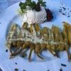 gegrillten Peperoni mit Knoblauch und Tsaziki (5,90€).
