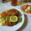 Schweineschnitzel Wiener Art mit Kartoffelsalat