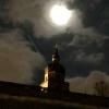 der Mond über der Festung