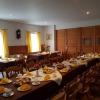 Gaststube mit eingedeckten Tisch
