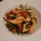 Foto zu Der Oedhof: Kartoffel-Bohnen-Gröstel mit Birne