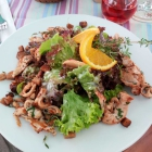 Foto zu Zur Rose: Salatteller mit gebratenen Hühnerbruststreifen