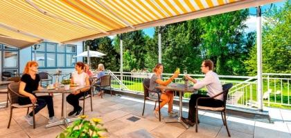 Fotoalbum: Restaurant und Terrasse