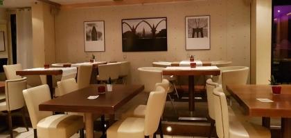 Bild von 21.twenty one - lounge.café bar.deli resto