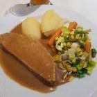 Foto zu Lindenwirt: Hackbraten mit Gemüse
