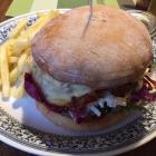Foto zu Der Hammerwirt: Lecker Burger beim Hammerwirt