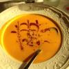 Kürbis-Ingwer-Suppe mit Honigcroutons