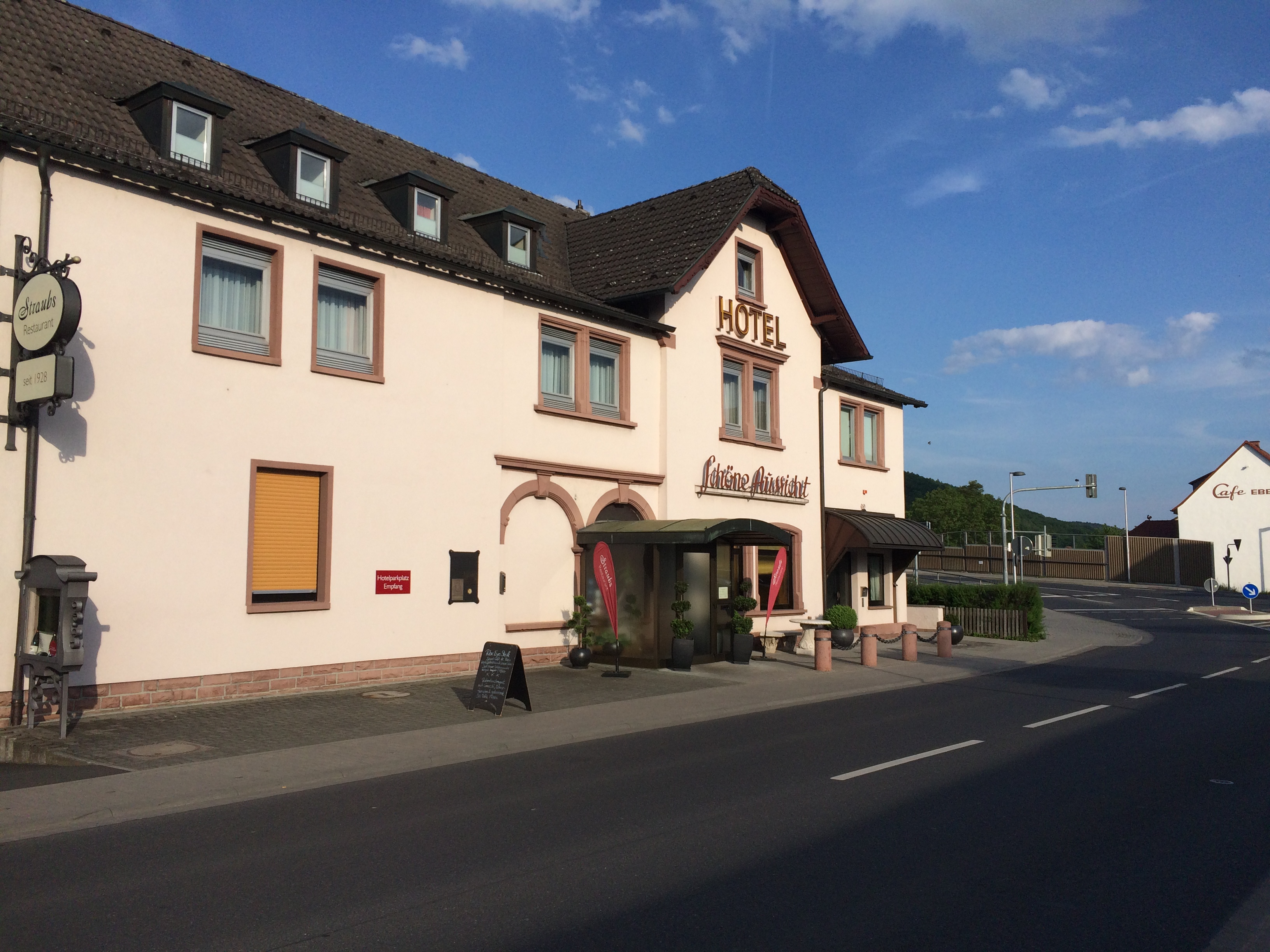 Straubs Schone Aussicht Restaurant In 63911 Klingenberg Am Main