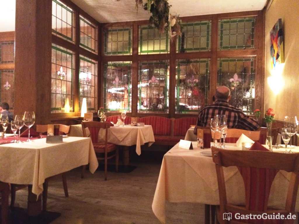 Restaurant Fronton Chateau Bellevue La Foret