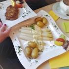 Foto zu Steirer Stub'n im Bürgerhaus: Spargel mit Steak