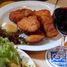 Foto zu Steirer Stub'n im Bürgerhaus: Halbes Backhendl mit Salat