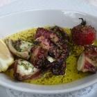 Foto zu Hotelweingut Barth: Gebackener Oktopus mit Knoblauch und Zitrone