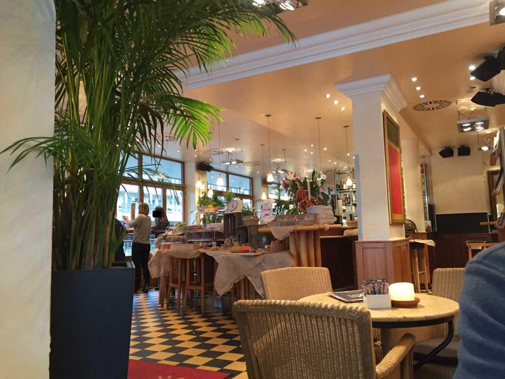 cafe bar celona restaurant bar in 90403 n rnberg. Black Bedroom Furniture Sets. Home Design Ideas