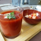Foto zu Gehrlein's Hardtwald: Geeiste Tomatensuppe mit gebratener Garnele