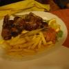 Lamm Kotelette in knoblauch mit Pommes u. Djuwetschreis